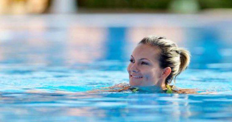 فواید شنا در دوران بارداری