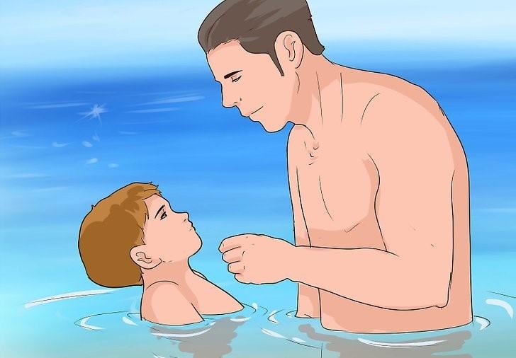 آموزش شنا به کودک زیر 2 سال