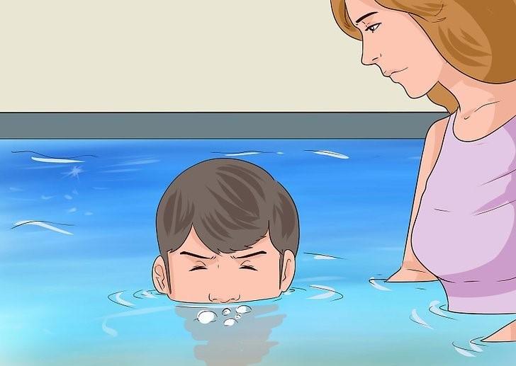 آموزش شنا به کودکان 2 تا 4 سال