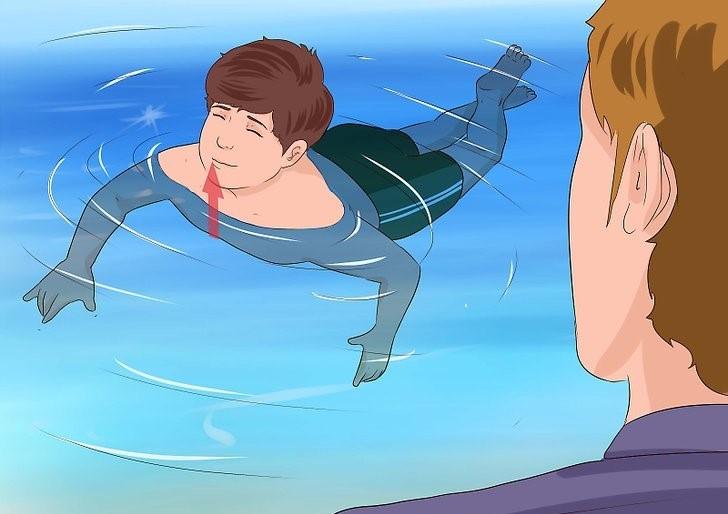 آموزش شنا به کودکان بالای 4 سال