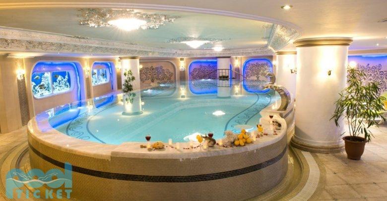 عکس استخر هتل قصر طلایی مشهد