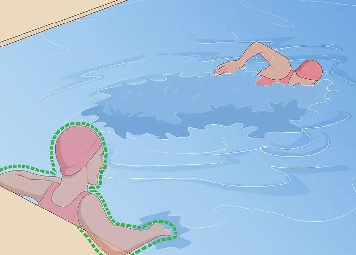 نفس بگیرید و سپس دو دور آهسته شنا کنید